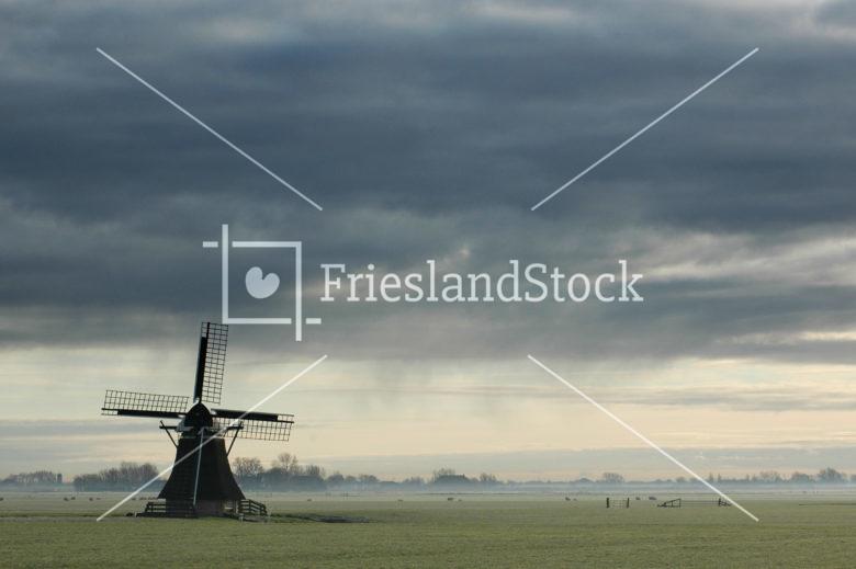 Molen de Rispens bij Easterein - FrieslandStock
