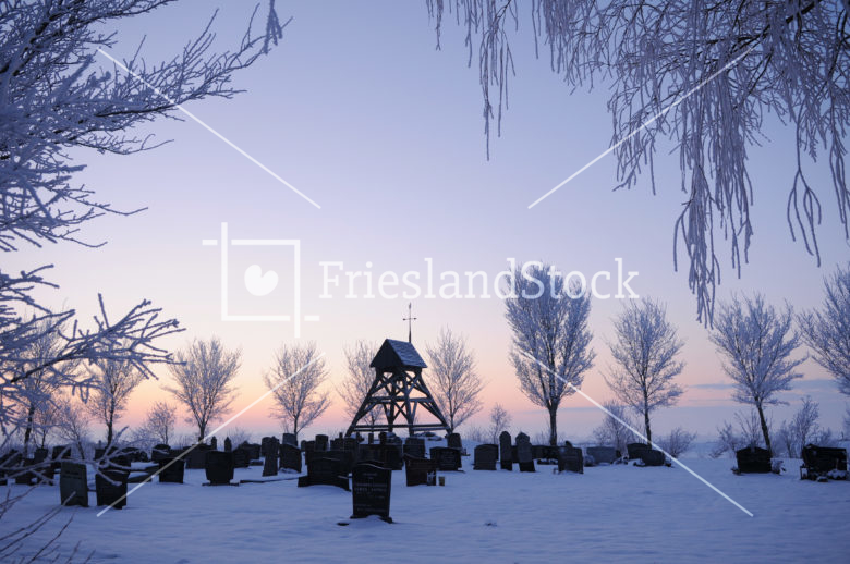Klokhuis Idzega in winter - FrieslandStock