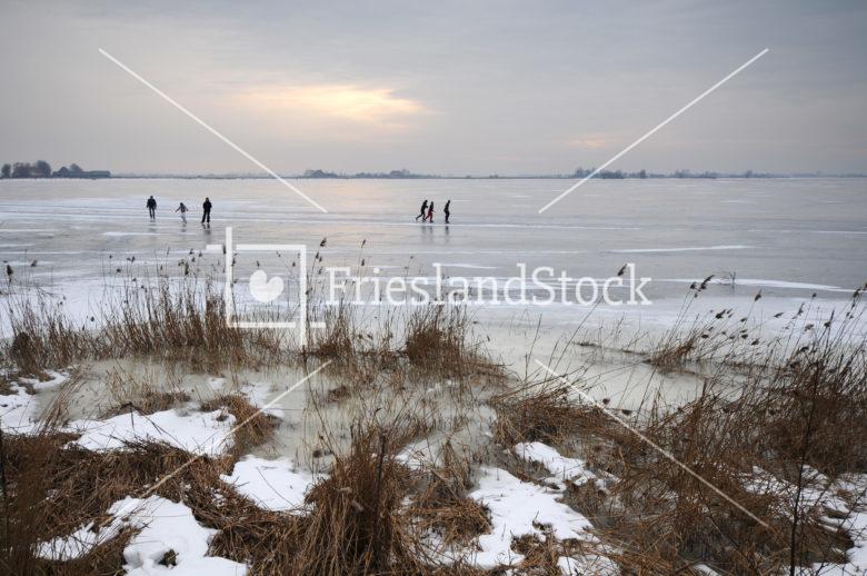 Schaatsers op Oudegaasterbrek - FrieslandStock