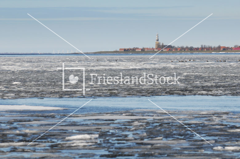 IJs op IJsselmeer voor Hindeloopen - FrieslandStock