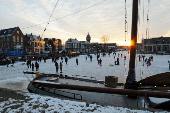 De Kolk Sneek in winterse setting - FrieslandStock