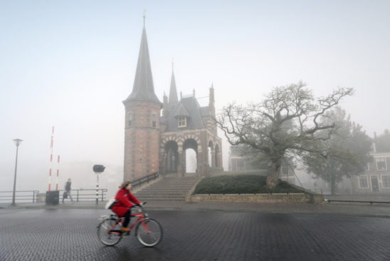 Sneeker Waterpoort in mist - FrieslandStock