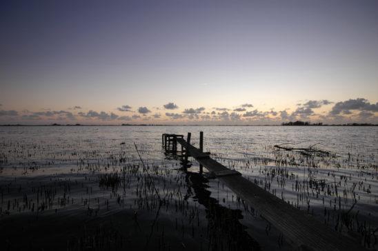 Oudegaasterbrek bij zonsondergang - FrieslandStock