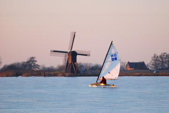 IJszeilen op Oudegaasterbrek - FrieslandStock
