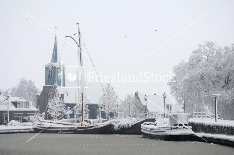 Haven van Oudega SWF in winter - FrieslandStock