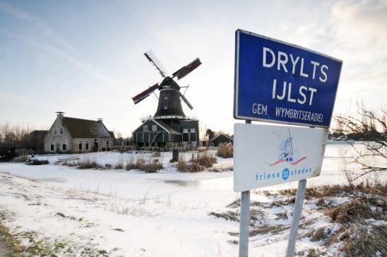 IJlst in winters tafereel - FrieslandStock
