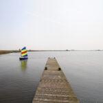 Zeilen op Vlakke Brekken nabij Sandfirden - FrieslandStock
